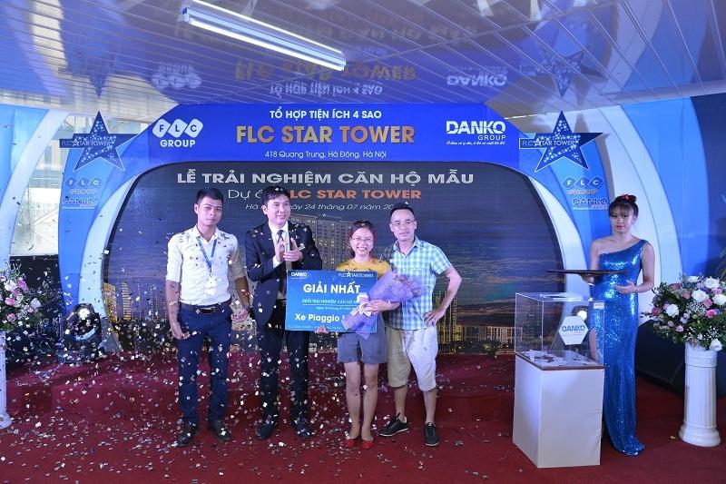 Giải nhất của chương trình là xe Vespa LX 125 trị giá gần 67 triệu đồng, đã thuộc về Chị Nguyễn Phương Thảo, chủ sở hữu căn hộ 1211.