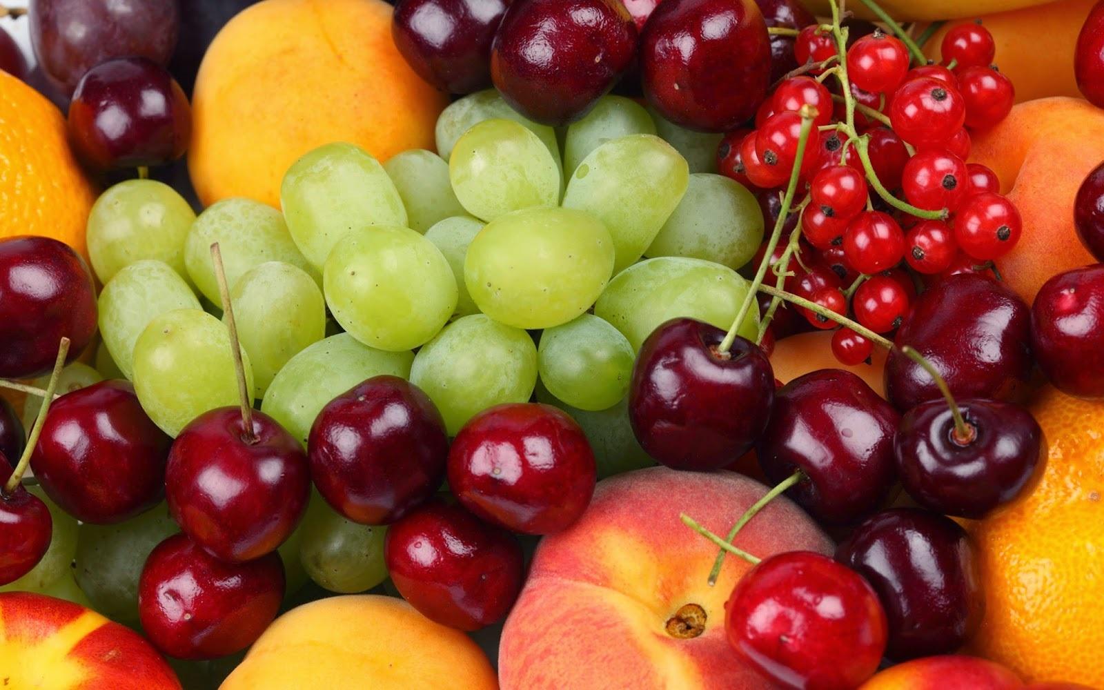Trái cây vừa cung cấp vitamin cho cơ thể vừa làm sạch răng hiệu quả.