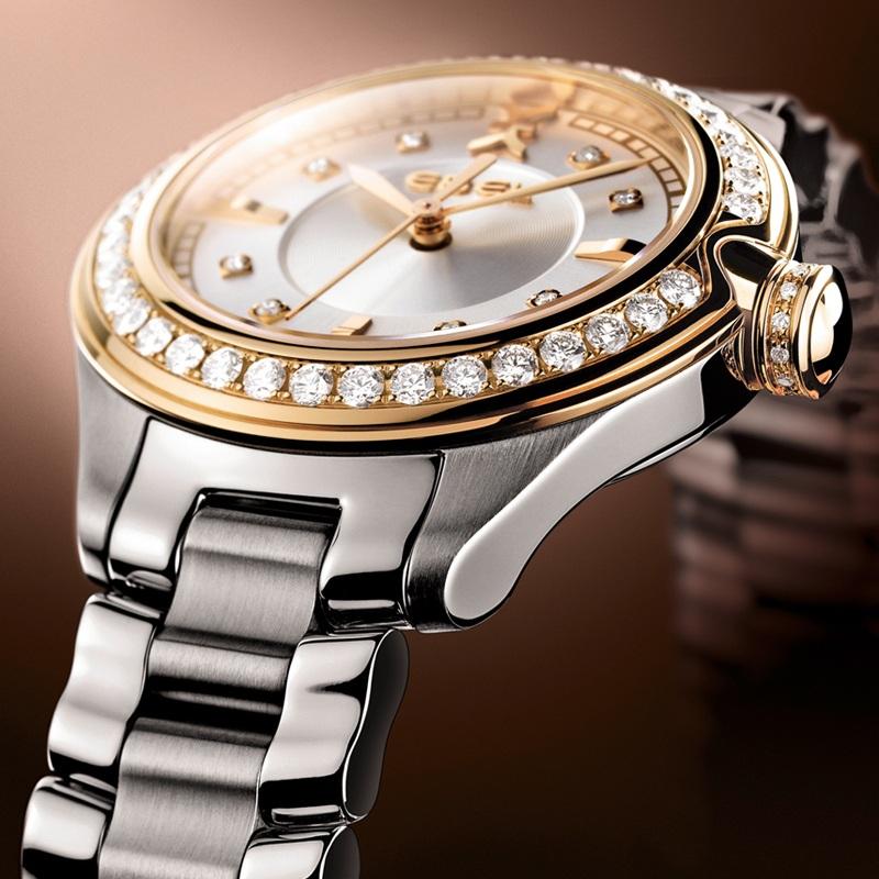 """""""Ebel đã đi tiên phong trong việc chế tác ra những mẫu đồng hồ nữ sang trọng đẳng cấp và cho thấy sự tinh tế trong cách xử lý khảm, cẩn kim cương."""""""
