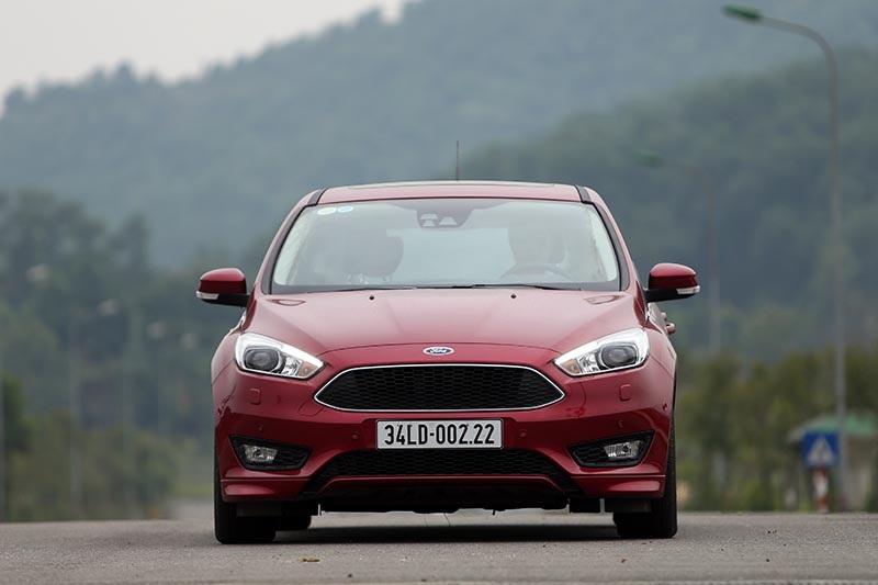 Vì sao Ford Focus 1.5L đắt hơn Focus 1.6L? - 7
