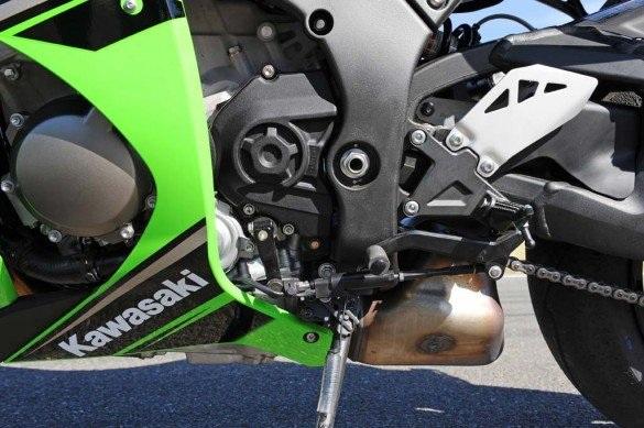 Kawasaki triệu hồi Ninja ZX-10R 2016 - 10