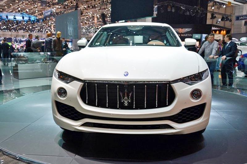 Maserati Levante có giá bán, bất lợi trước đối thủ Porsche Cayenne? - 3