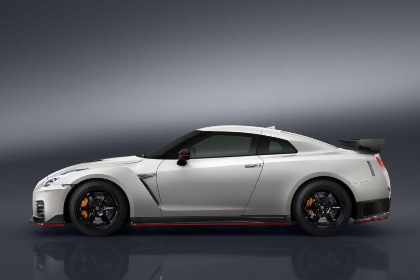 Nissan GT-R Nismo 2017 chính thức xuất hiện - 6
