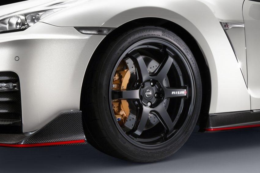 Nissan GT-R Nismo 2017 chính thức xuất hiện - 5