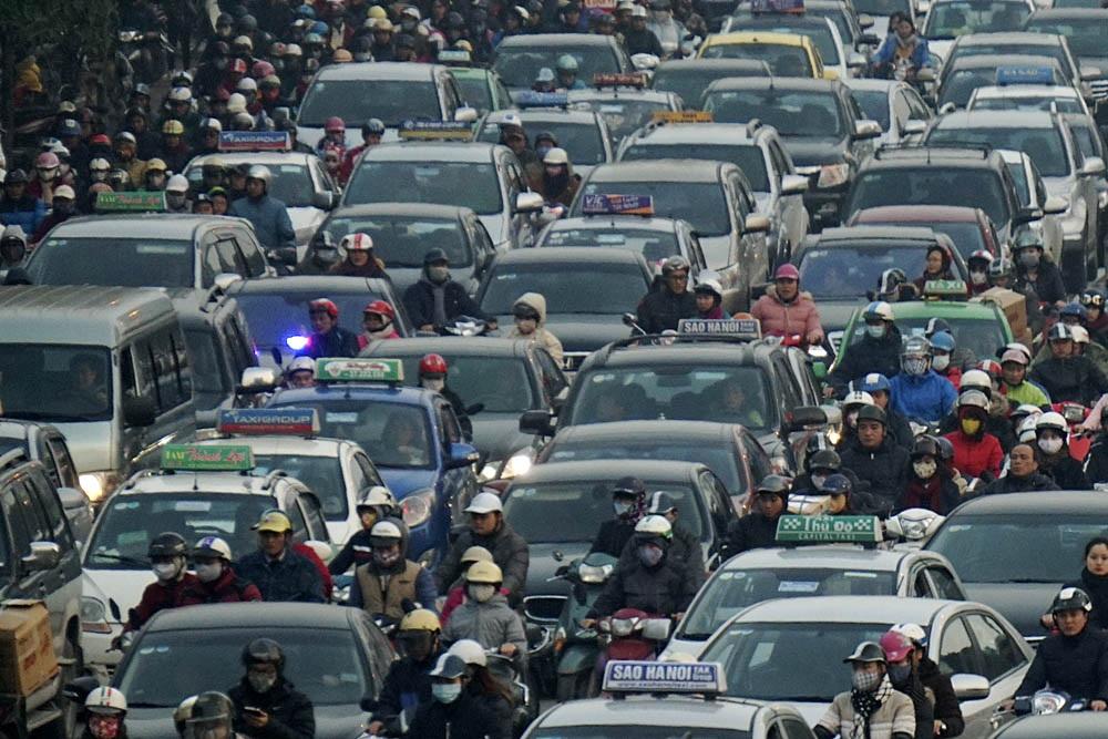 Xe máy vẫn là phương tiện chính tại đô thị Việt Nam - 1