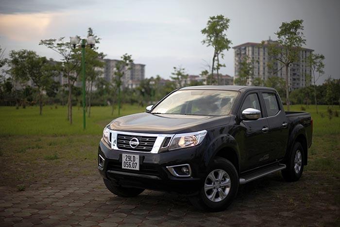 Nissan Navara EL sử dụng hệ thống dẫn động cầu sau và hộp số tự động 7 cấp
