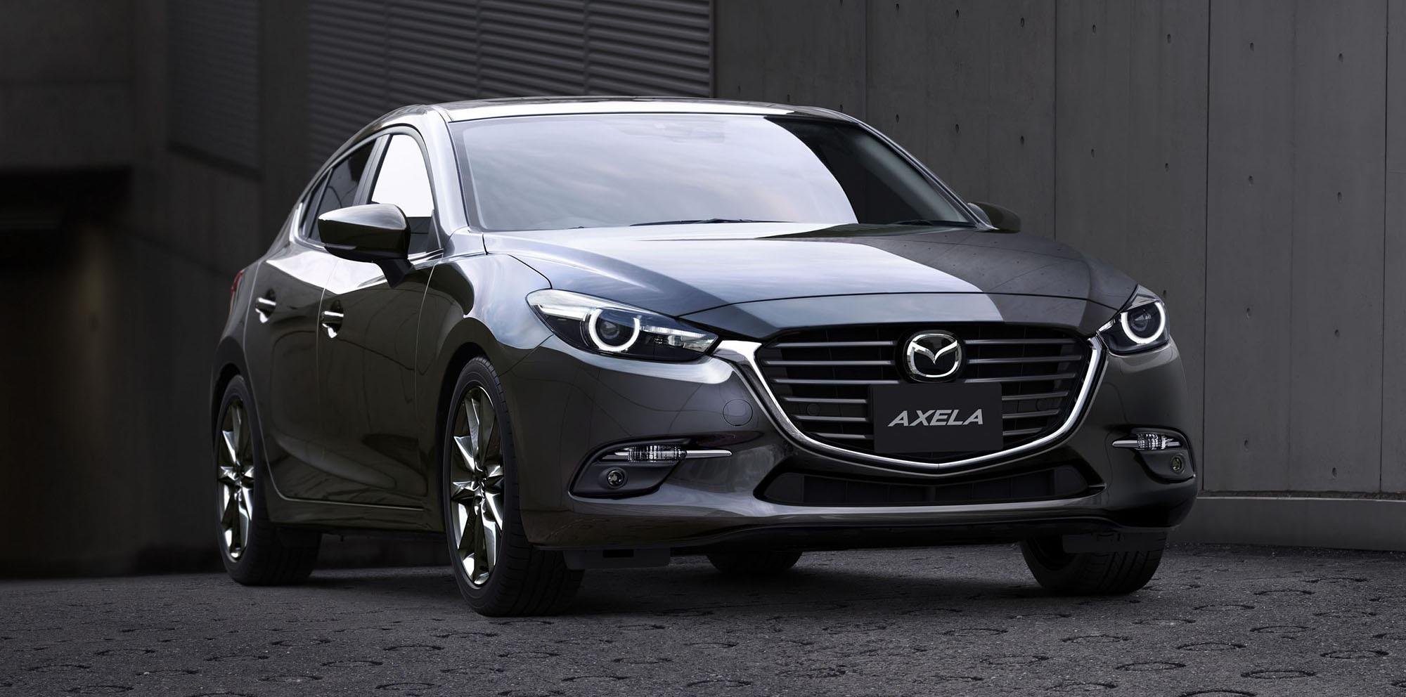 Tại Nhật Bản, Mazda Axela sẽ được trang bị ba loại động cơ: xăng I4 1.5L, diesel I4 2.2 turbo và diesel I4 1.5L turbo
