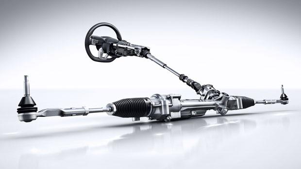 Mercedes-Benz C300 rắc rối với hệ thống lái trợ lực điện - 1