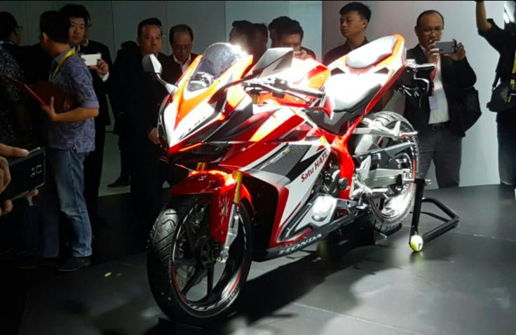 Honda bất ngờ ra mắt CBR250RR 2017 tại Indonesia - 1