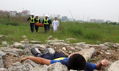 Trực thăng huấn luyện cấp cứu y tế, hạ cánh trên nóc nhà Bệnh viện 108 - 1