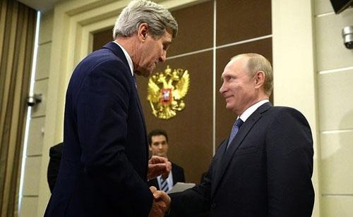 """""""Mỹ, EU rũ bỏ Ukraine để đổi lấy ủng hộ chính trị từ Nga"""" - 1"""