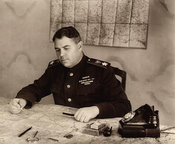 Aleksandr Vasilievski – vị nguyên soái Liên Xô nhiều cá tính - 2