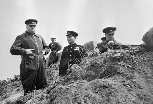 Aleksandr Vasilievski – vị nguyên soái Liên Xô nhiều cá tính - 4