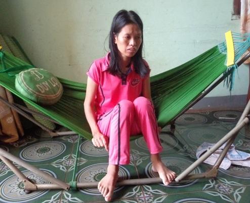 Cô giáo Hương bỗng dưng bị mù và điếc đột ngột.