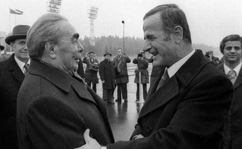 Lịch sử quan hệ Nga-Syria: Nhiệt thành bên người chiến bại - 1