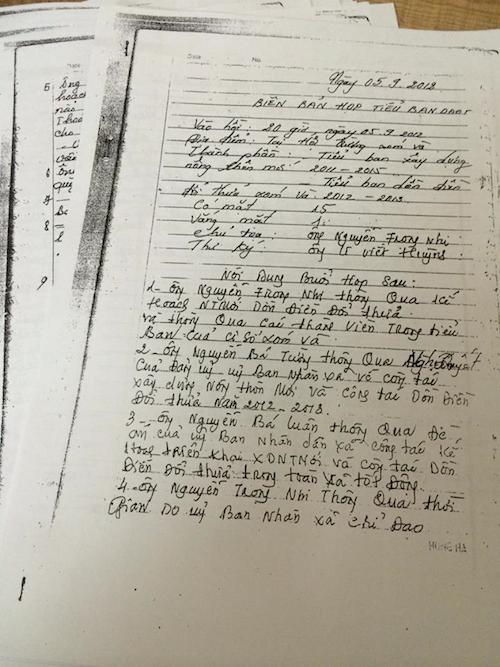 Biên bản họp tiểu ban dồn điền đổi thửa với nghị quyết thu tiền của người dân.