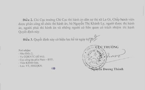Cục trưởng Cục thi hành án tỉnh Bình Thuận Nguyễn Đường Thành ký quyết định thu hồi chính quyết định mình đã ban hành.