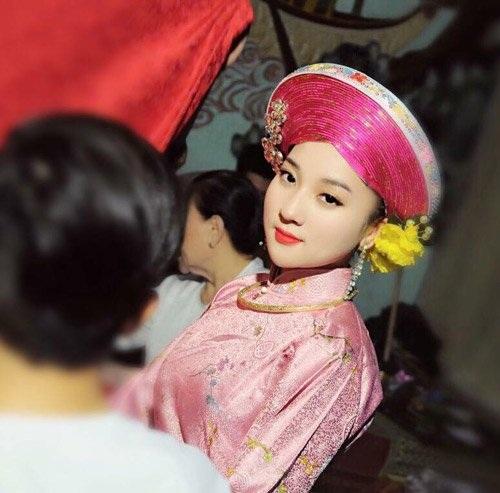 Bên cạnh việc hầu đồng, Hà Trang còn làm kinh doanh