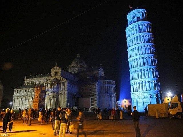 Tháp nghiêng Pisa, Italia.