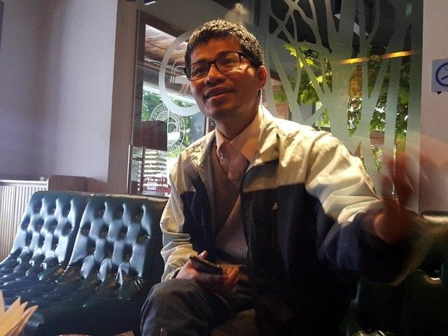 Ông Nguyễn Quang Thạch - Người đi bộ xuyên Việt vận động chương trình Sách hóa nông thôn.