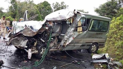 Tai nạn ô tô chở người Việt ở Lào, 8 người thương vong - 2