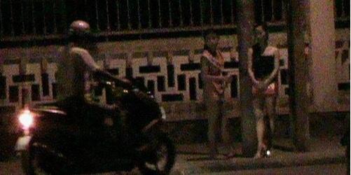 Bướm đêm công khai đón khách tại đường Ngô Quyền, TP.Huế