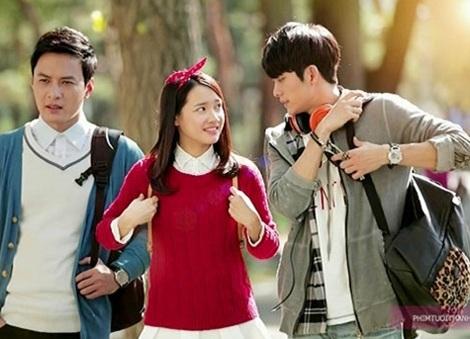 Họa sĩ Lê Thu Hường thiết kế phục trang cho phim Tuổi thanh xuân.