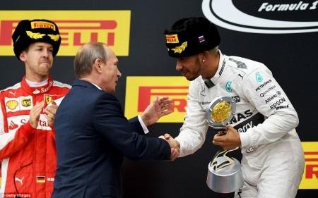 F1 2015 chặng Nga: Lại một chiến thắng dễ dàng của Hamilton - 6