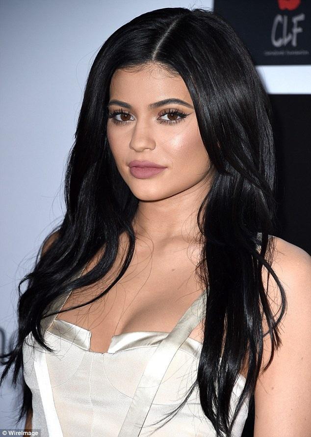 Em gái của Kim - Kylie Jenner cũng góp mặt tại sự kiện này.