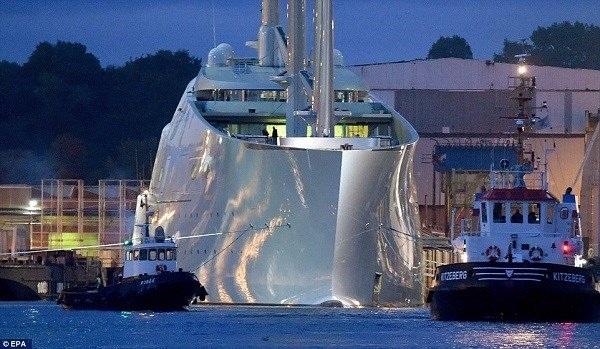 Tỷ phú Nga khoe du thuyền lớn nhất thế giới hơn 9.000 tỷ đồng - 3