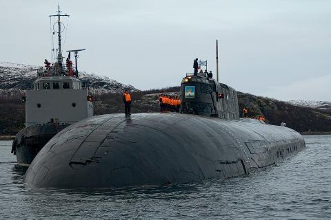 """Báo Mỹ gọi tàu ngầm Nga là """"đứa trẻ tập đi"""" (?) - 3"""