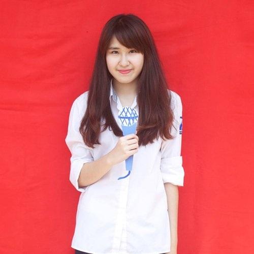 Khi còn là học sinh, Ngọc Mai rất năng nổ tham gia các hoạt động ngoại khóa. Cô nàng là sáng lập viên câu lạc bộ MC của trường