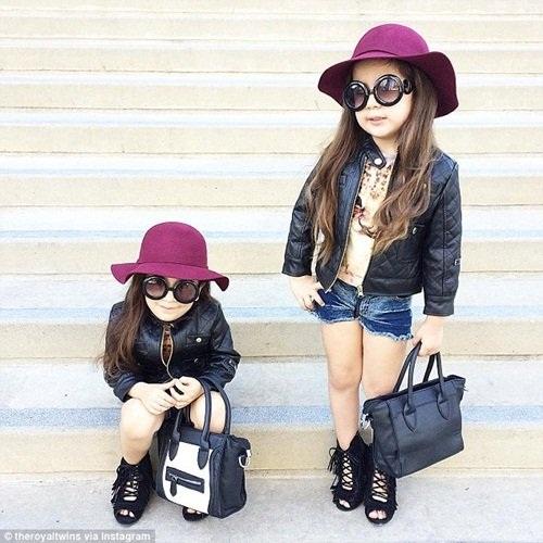 Mẹ của hai bé Bella và Chloe là Lucy Abir, vốn là một phóng viên giải trí. Cô thường xuyên chụp ảnh hai cô con gái sinh đôi của mình diện đồ rất thời trang, tạo dáng ở một số địa điểm nổi tiếng ở Los Angeles, sau đó đăng tải trên trang mạng xã hội chia sẻ ảnh lớn nhất thế giới, Instagram.