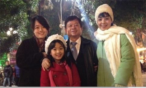 Gia đình hạnh phúc vẹn toàn của nhạc sĩ Đỗ Hồng Quân