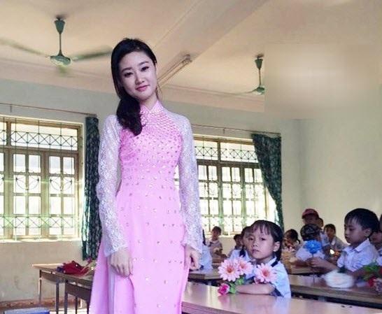 10 cô giáo xinh nhất Việt Nam khiến dân mạng điên đảo - 5
