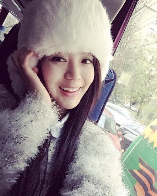 Cô nàng khiến fan hâm mộ yên tâm hơn khi đã lấy lại được nụ cười rạng rỡ sau những lùm xùm vừa qua