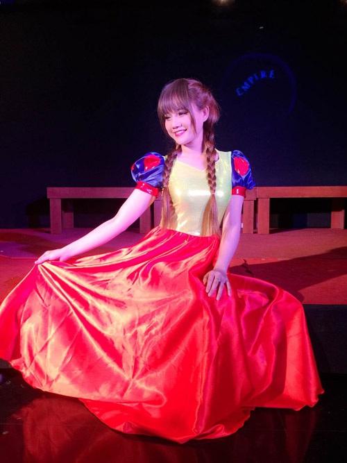 Bằng sự nỗ lực của bản thân, Ly đã thực hiện được ước mơ trở thành diễn viên kịch