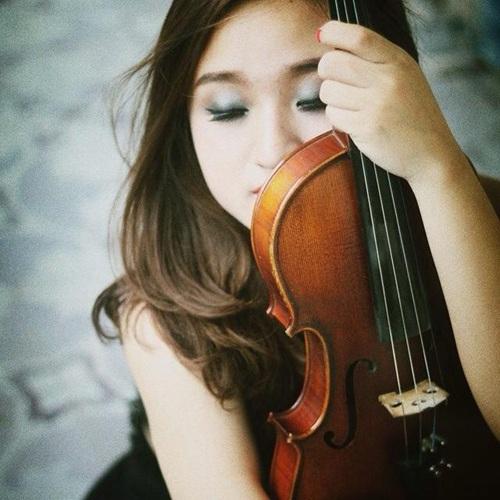 Đào Hải từng giành giải 3 trong cuộc thi violon quốc tế ASEAN năm 2011 và học bổng KEB của Hàn Quốc.