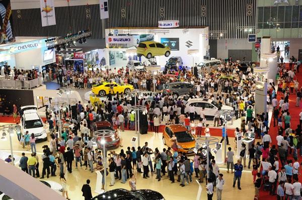 Quang cảnh triển lãm ô tô quốc tế Việt Nam 2014. (Ảnh: H.P)