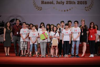 Phần trao giải cho lớp thắng cuộc cho một trong 6 hạng mục giải thưởng