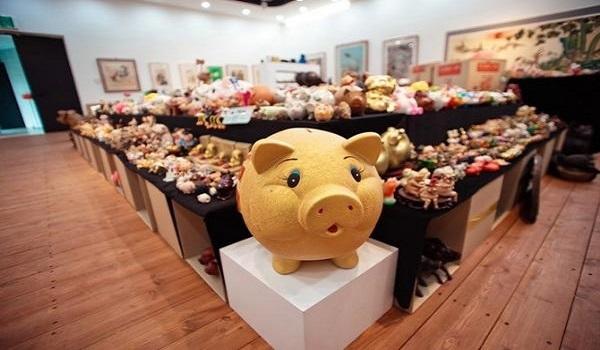 Những người dân Hà Quốc đặc biệt coi trọng những chú lợn bởi họ tin rằng chúng đem đến nhiều phúc lộc, tài sản cho con người.