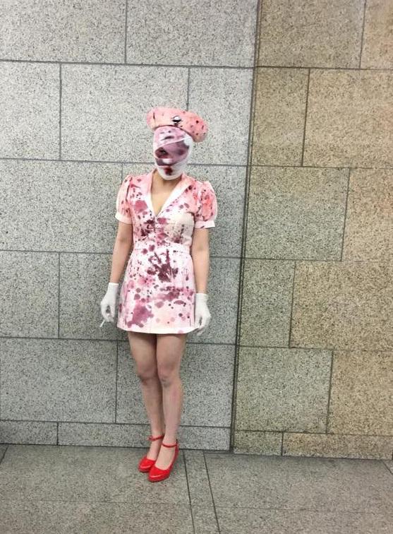 """Thiếu nữ Nhật đua nhau hóa zombie, """"y tá máu me"""" đêm Halloween - 9"""