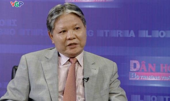 Bộ trưởng Tư pháp Hà Hùng Cường đăng đàn trả lời trong chương trình Dân hỏi - Bộ trưởng trả lời tối 25/10.