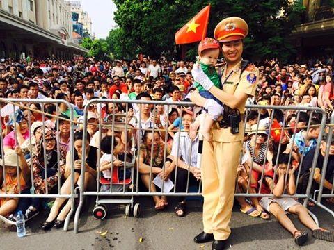 Những góc ảnh thú vị trong ngày diễu binh mừng Quốc khánh - 4