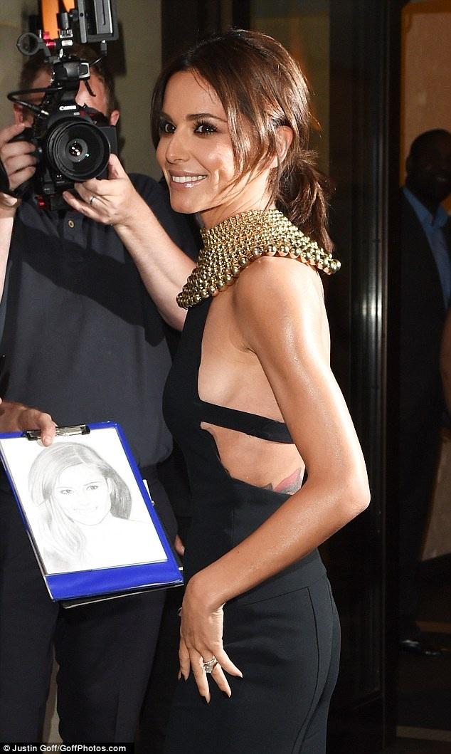 Cheryl Cole lộ dáng siêu mỏng - 2