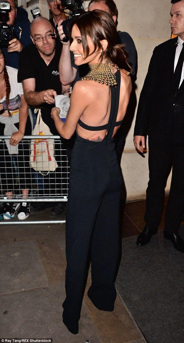 Cheryl Cole lộ dáng siêu mỏng - 5