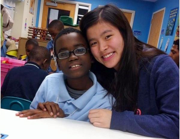 Yến Chi tại chuyến đi tình nguyện ở East St. Louis, Hoa Kỳ năm 2014