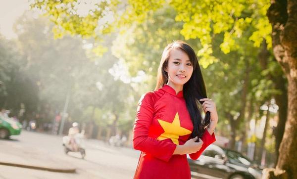 Thiếu nữ nô nức khoe ảnh áo dài màu cờ Tổ quốc - 7