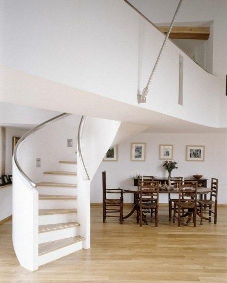 Những mẫu cầu thang xoắn ốc đẹp cho ngôi nhà có diện tích khiêm tốn - 10