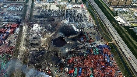 """85 người chết tại Thiên Tân, Trung Quốc """"siết"""" các cơ sở hóa chất - 1"""
